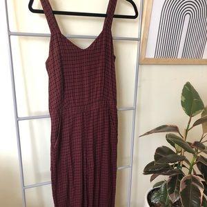 Burgundy jumpsuit with print